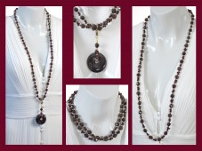 Red garnet necklace with pendant