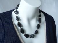 Dark blue water sapphire collier