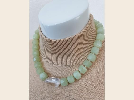 Jade& rock crystal necklace
