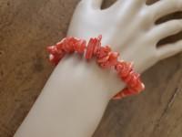 Coral stretch bracelet
